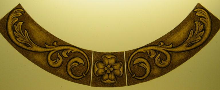Bordo per vetrata artistica con pittura su vetro a grisaglia, vetro colorato giallo, vetrate artistiche sacre