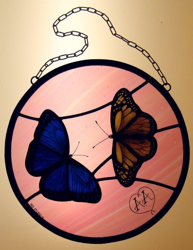 Vetrata Circolare con farfalle