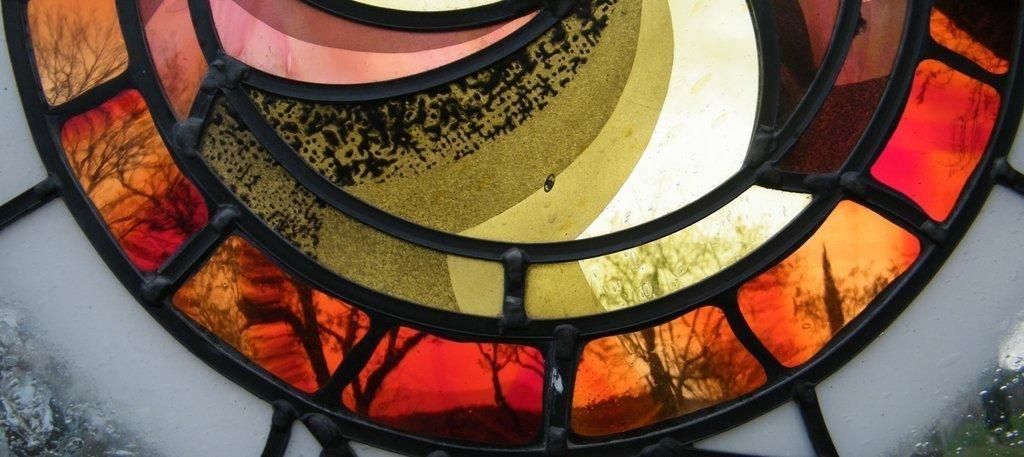 Vetrata artistica realizzata con vetro soffiato, vetrate artistiche moderne