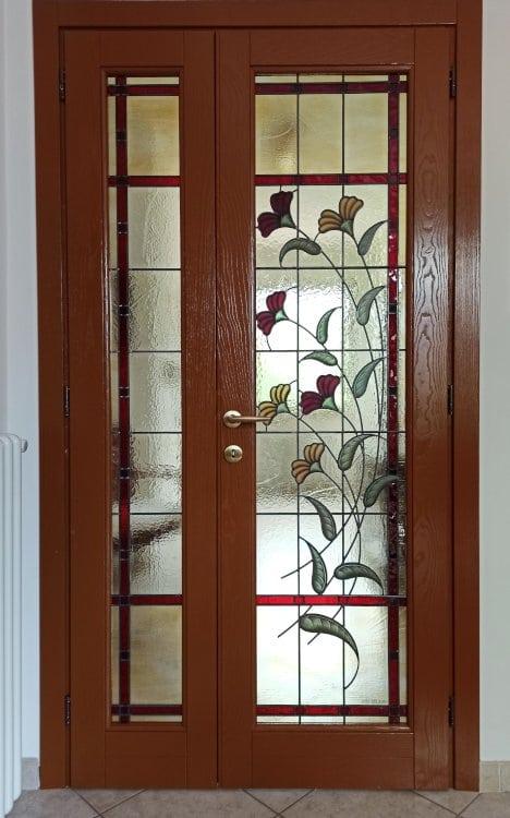 Puerta con Vitrales Florales