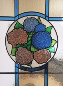 Vitral con hortensias