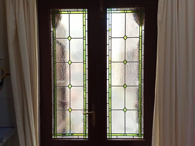 Door with simple and elegant stained glass