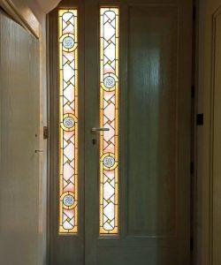 Porta artigianale con vetrate artistiche